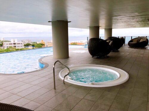 グランディスタイル沖縄 プール