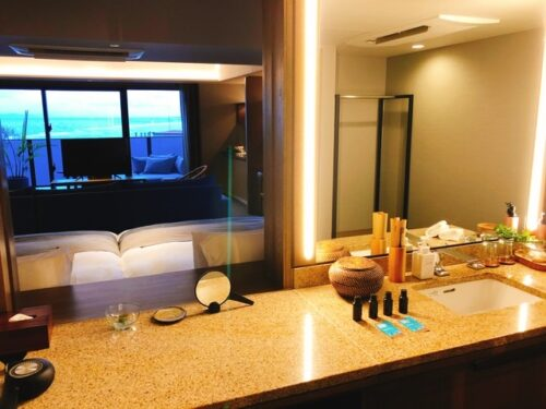 グランディスタイル沖縄 プレミアムコーナースイート バスルーム
